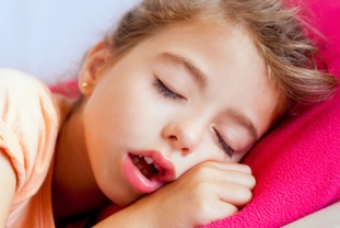 girl-sleeping-with-open-mouth-horiz